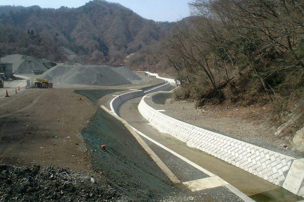 仏果沢地区水路工事